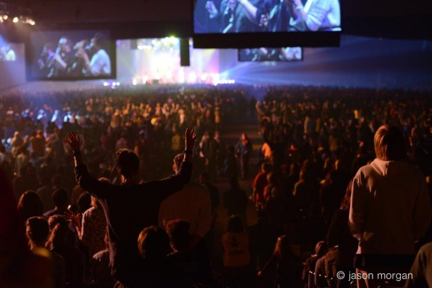 Crowd worshiping at Onething
